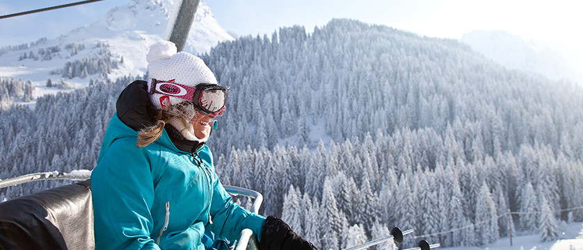 france_portes-du-soleil_morzine-skier-on-chairlift.jpg